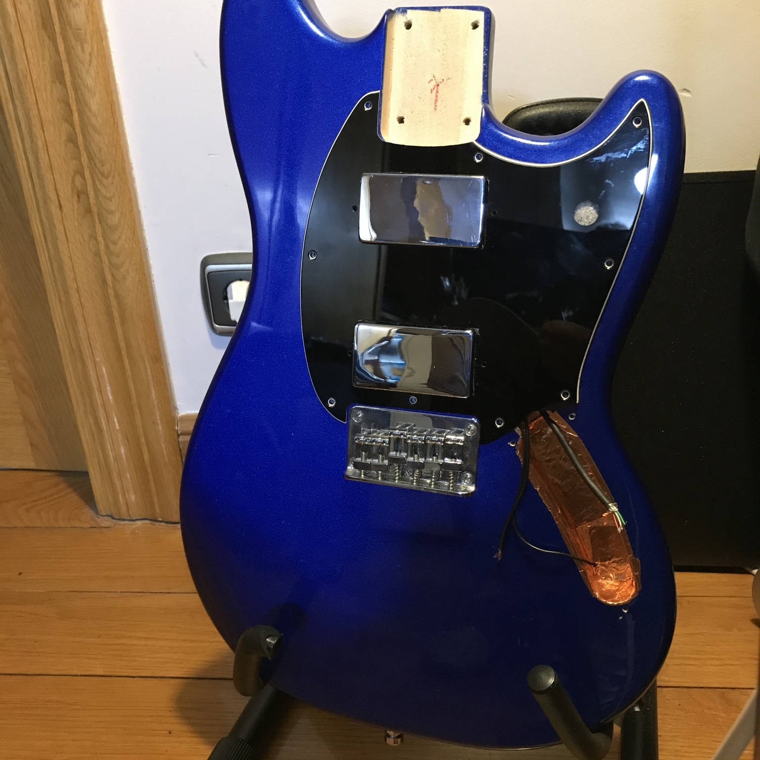 Squier Bullet Mustang - trying out the new pickguard